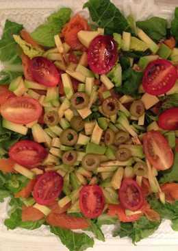 """Салат с форелью и авокадо """"Новогоднее вдохновение"""""""