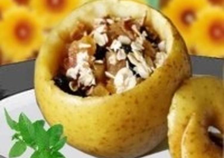 Запеченные яблоки с овсянкой и сухофруктами на завтрак