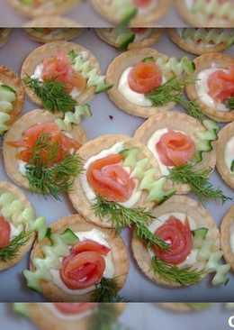 Тарталетки с плавленным сыром и семгой !!!вкусная и простая закуска