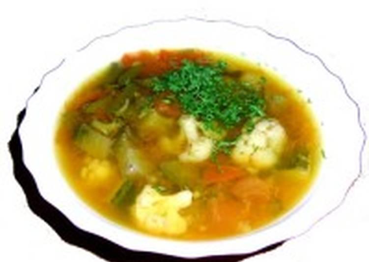 Суп овощной с говяжим языком