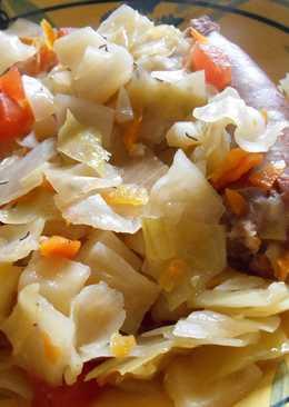 Капуста в горшочке с домашними колбасками