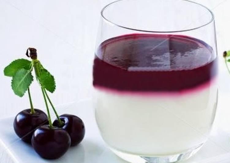 Панакота с ягодным сиропом - Простой рецепт вкусного десерта