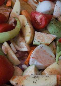 Овощи с мясом в духовке