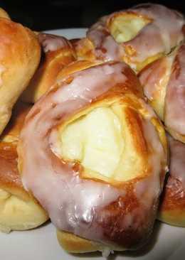 Нежные булочки с начинкой из пудинга