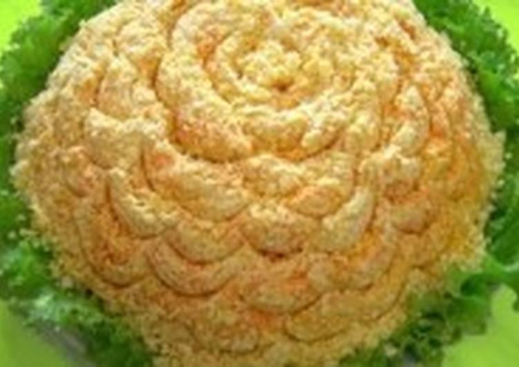 Салат новогодний с куриной печенью «Одуванчик»
