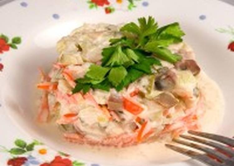 Салат из скумбрии и картофеля