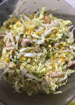Салат без майонеза с пекинской капустой и курочкой
