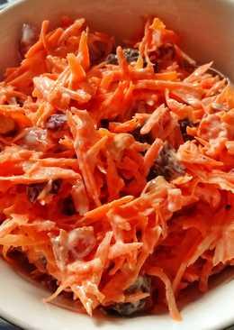 Быстрый морковный салат к завтраку