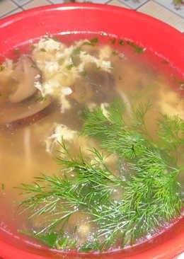 Японский суп с грибами и рисовой лапшой