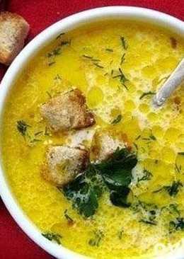 Сливочно-сырный суп с ветчиной и сухарями