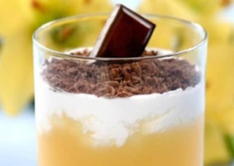 Кисель из абрикосов со сливками и шоколадом