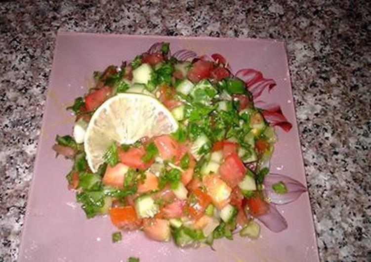Салатик из помидоров и огурцов. Салат к плову