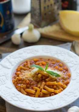 Паста в собственном соку с фасолью и томатным соусом