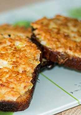 Жареные луковые бутерброды