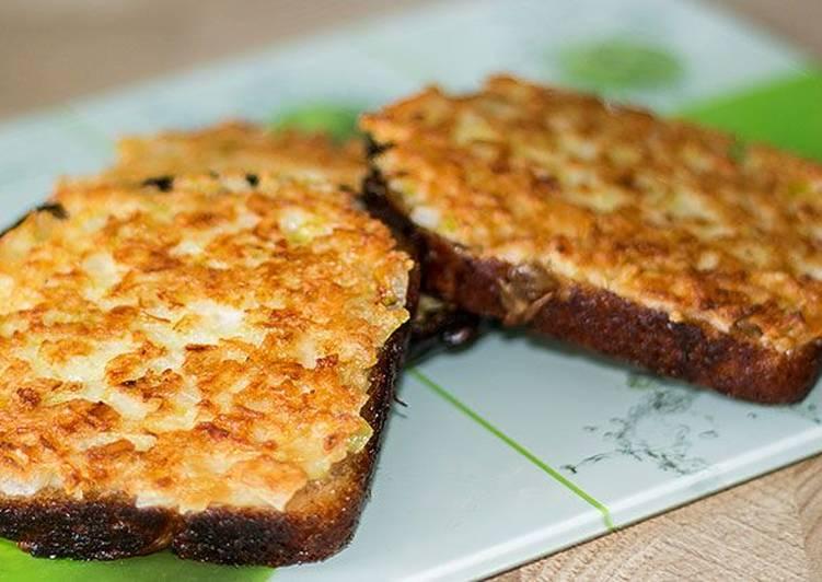 Жареные луковые бутерброды - едят даже дети