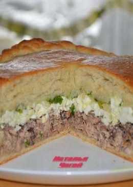Пирог с рыбой, яйцом и зеленым луком