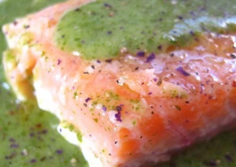 Семга маринованная с крем-соусом по-французски