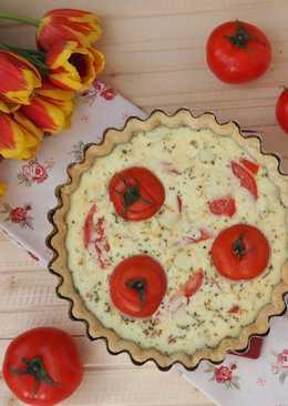 Киш (открытый пирог) с томатами и брынзой