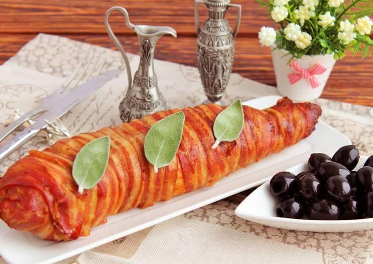 Рулет из свинины с беконом и шпинатом