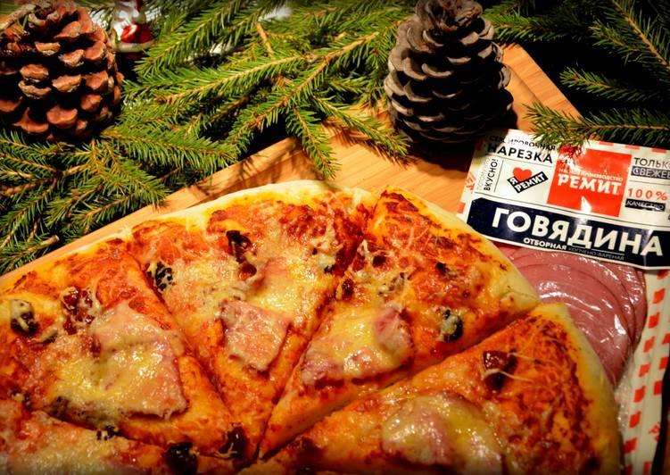 Пицца мясная с вялеными томатами