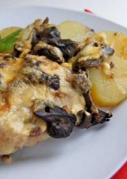 Картофель, запеченный под сырно-грибным соусом