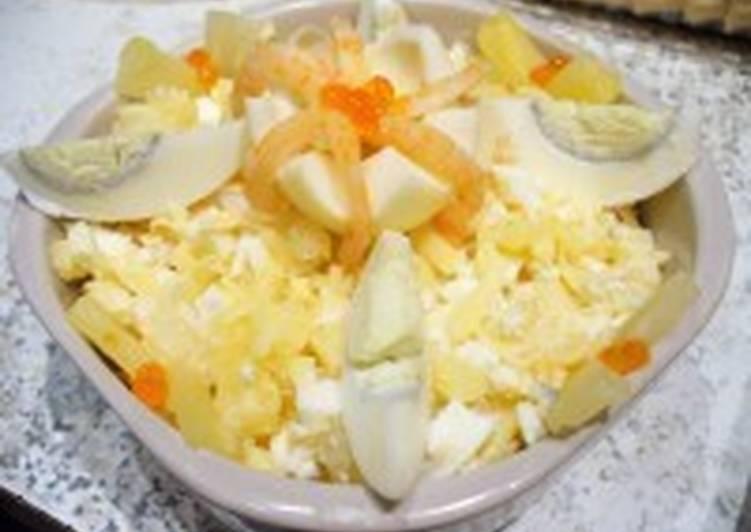 Салат с креветками и ананасом «Буржуйский»
