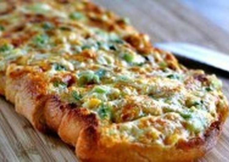 Горячий сырный бутерброд с зеленью и чесноком