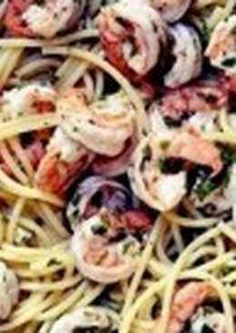 Спагетти с креветками и чесноком