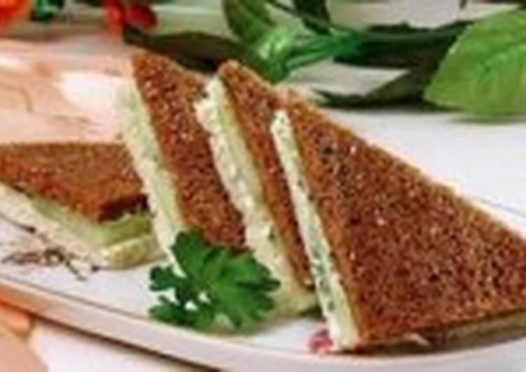 Сандвичи с огурцами