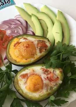 Завтрак из авокадо