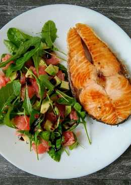 Салат из грейпфрута, руколлы и авокадо