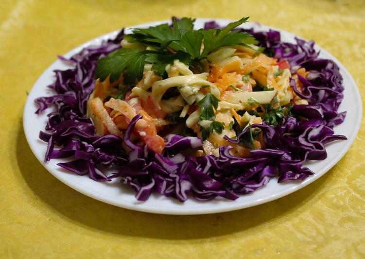 Салат с морковью, сыром и кефиром