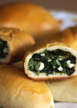 Весенние пирожки с черемшой, зеленым луком и яйцом