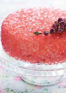 Торт с розовым желе