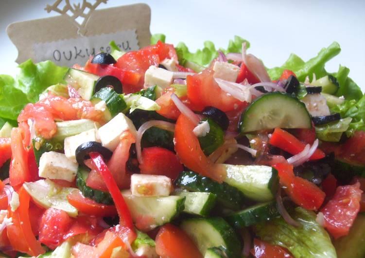 Салат по-гречески с брынзой
