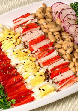 Салат с фасолью, редисом и крабовыми палочками
