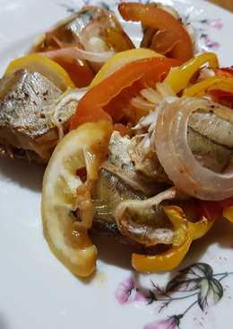 Рыба, запеченая с овощами