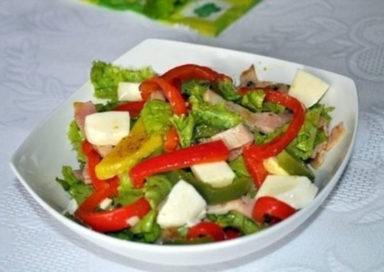 Салат со сладким перцем, бужениной, моцареллой и картофелем