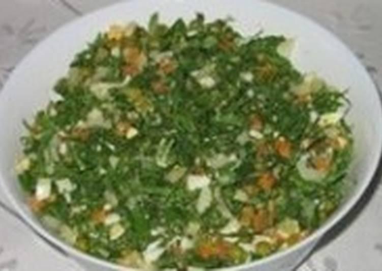 Салат-заготовка с редисом и зеленью