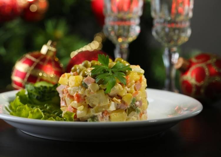 Салат с курицей «Праздничный оливье»