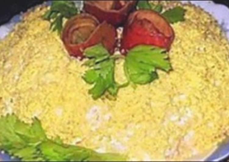 Слоеный новогодний салат легкий «Солнышко»