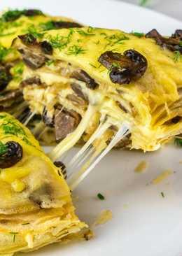 Закусочный блинный торт с грибами и сыром
