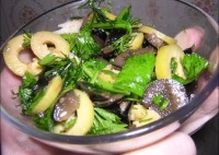 Салат из судака с оливками