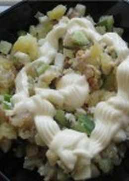 Салат из копченого сига и кускуса