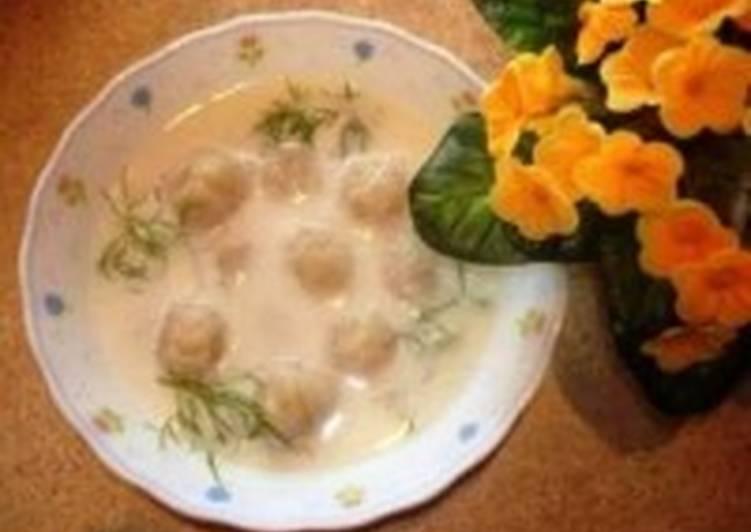 Молочный суп с клецками из манки