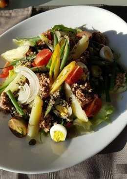 Сытный салат а ля Нисуаз
