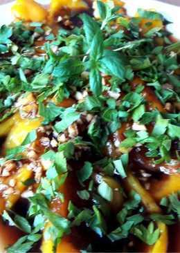 Запеченный болгарский перец с соусом