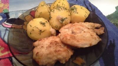 Куриные отбивные с отварным картофелем