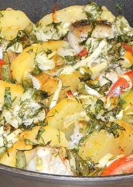Минтай, запеченный с картофелем и помидорами