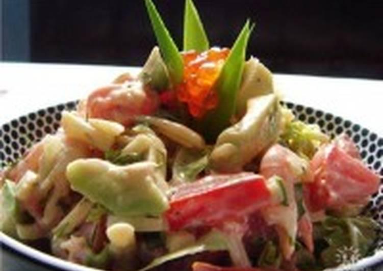 Салат из копченой салаки с картофелем и яблоками